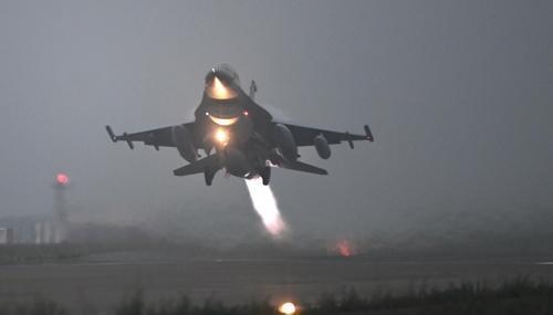 KF-16战斗机.jpg