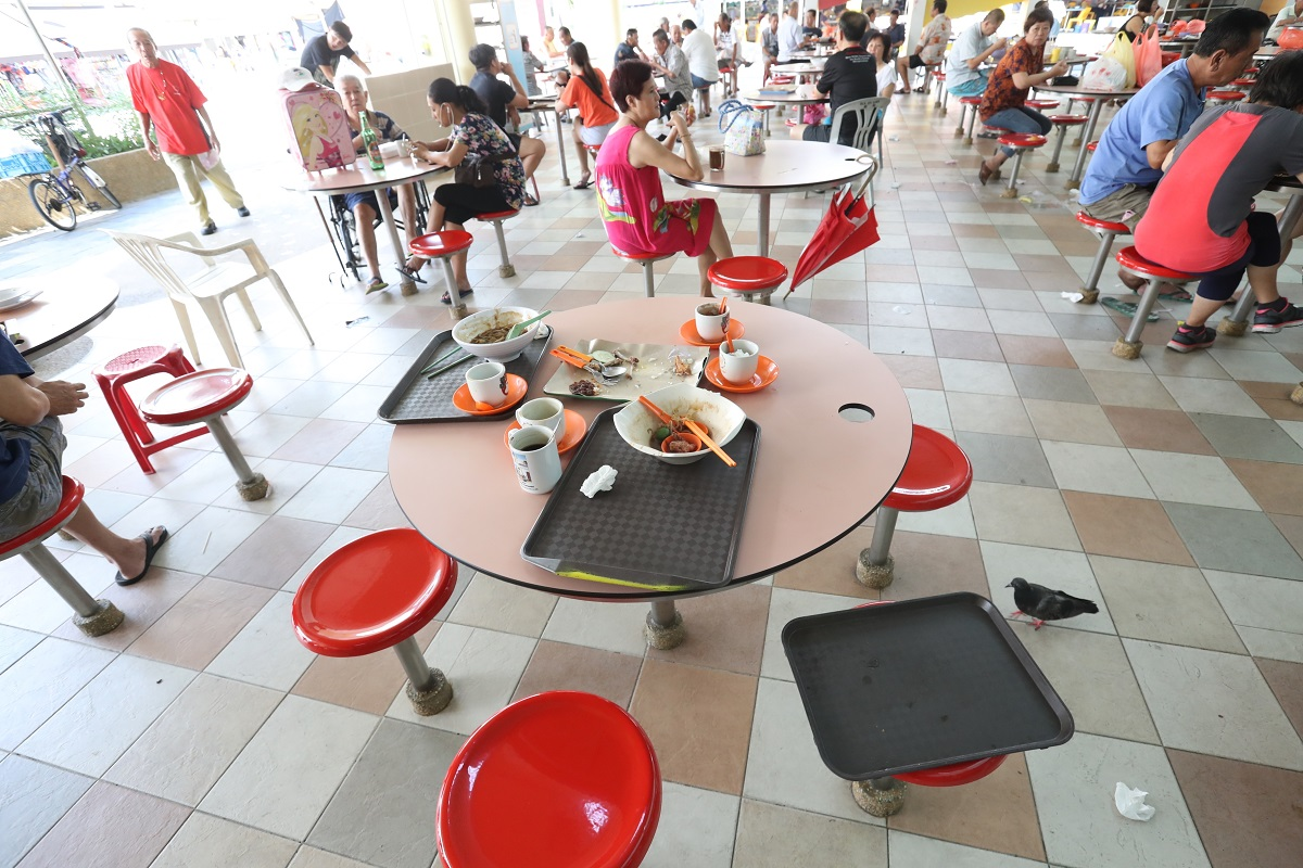 20171030-dirty trays at hawker centre.jpg