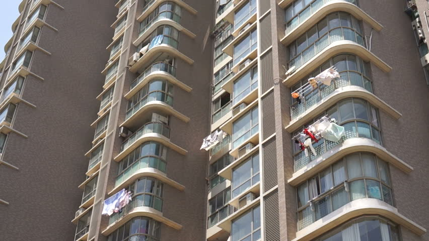 20171101-Condominium Hang Laundry.jpg