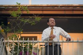 Dr Leslie Lam